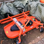 Tomlin finishing mower with roller