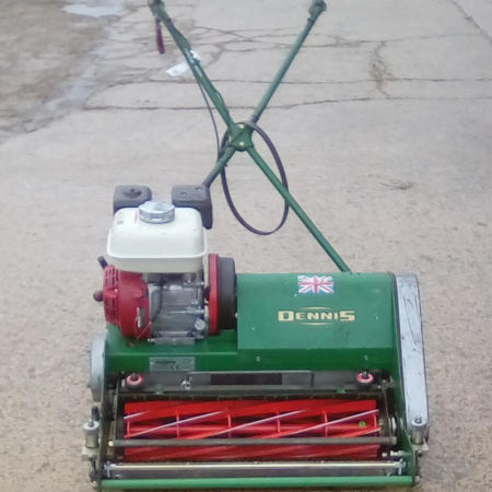 Dennis FT610 Sports Mower