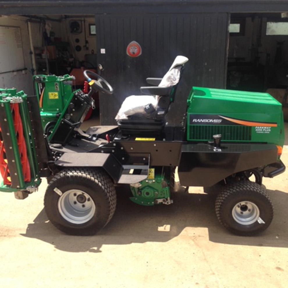 Ransomes Parkway Triple Mower