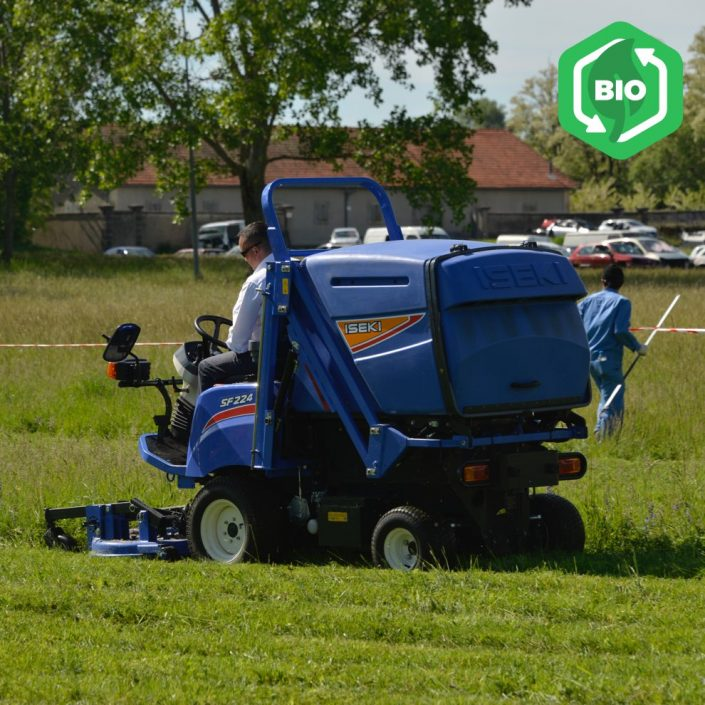 Iseki SF224 Outfront Rotary Mower Collector