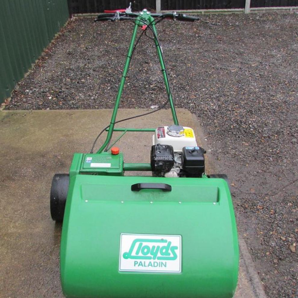 Lloyds Paladin Fine Turf Mower