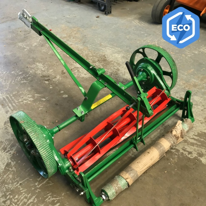 Lloyds Single Mower with Tow Frame