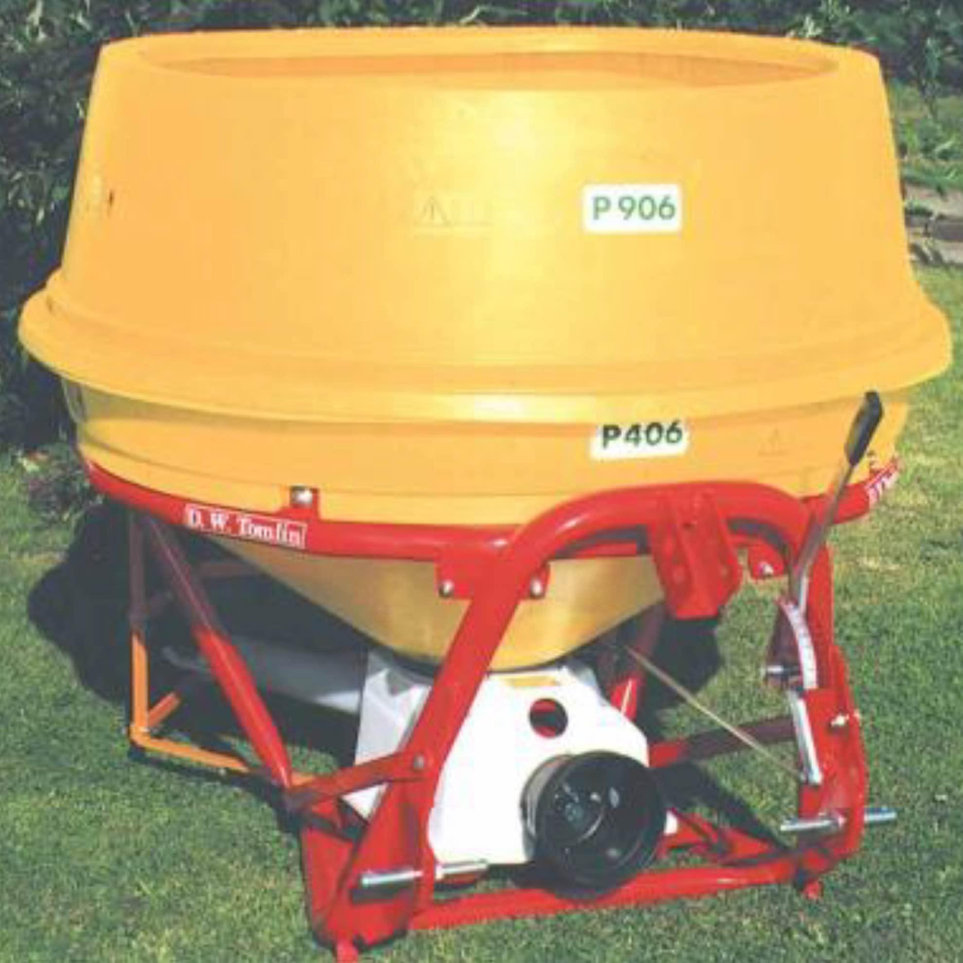 D.W. Tomlin PL500 Fertiliser Spreader with Tractor Mounted Disc